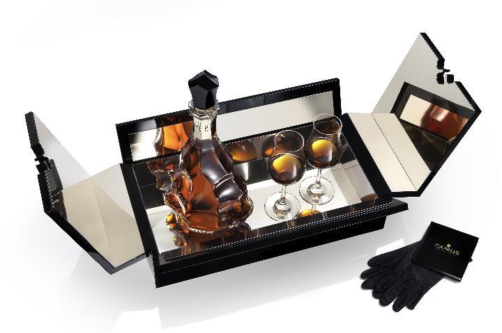 Алкоголь - уместный подарок. Фото с сайта www.babychamliquors.com
