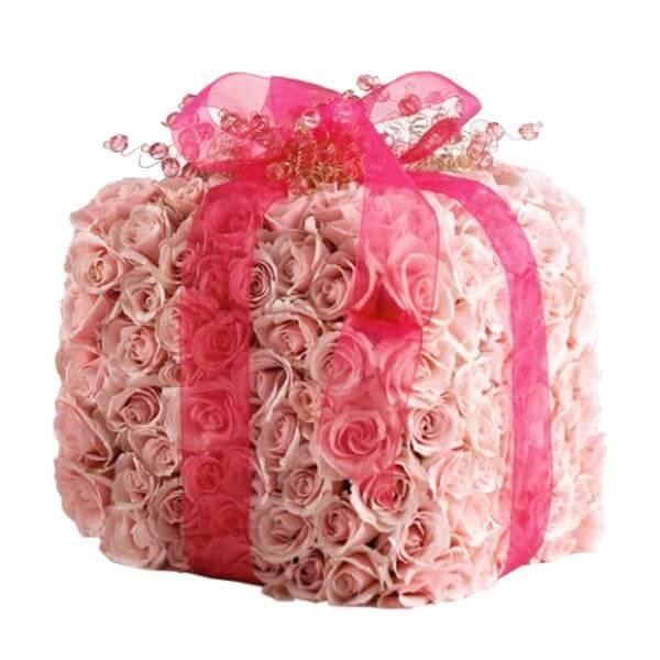 Подарок из роз