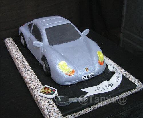 Торт в форме автомобиля