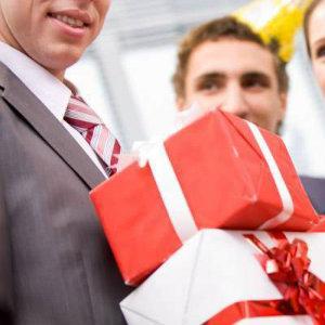 Создайте эффектный подарок на день рождения вашему начальнику мужчине