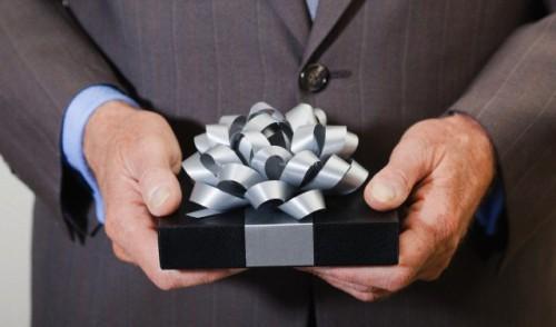 Что можно подарить начальнику