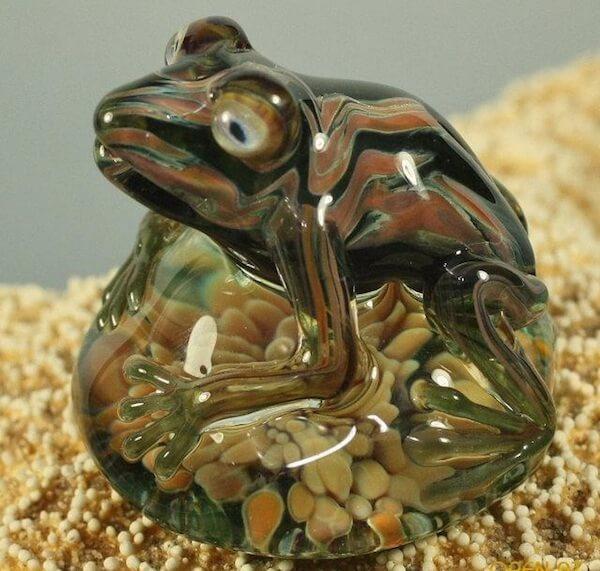 Хрустальная лягушка