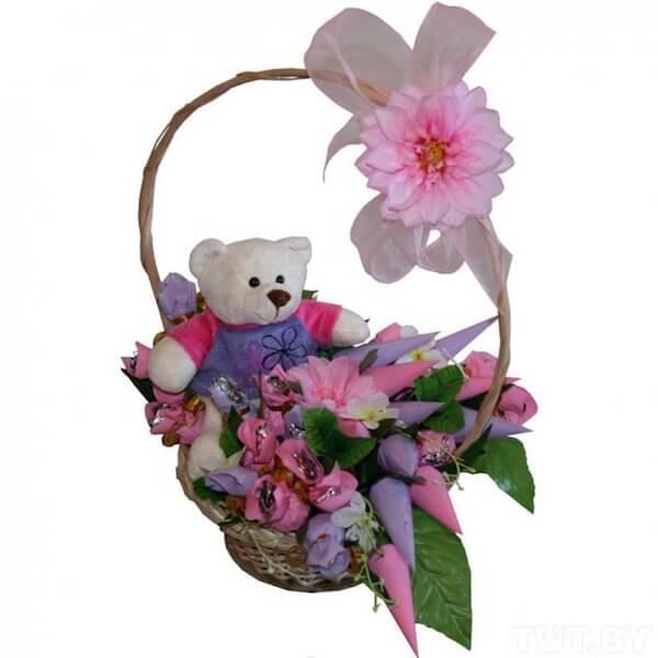Цветы с игрушкой