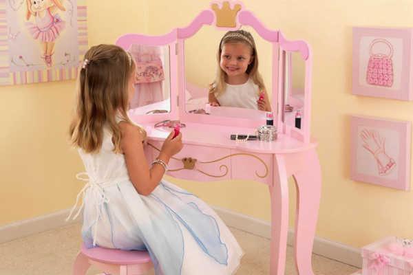 Детский туалетный столик в подарок принцессе 4 лет