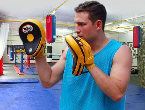 Что подарить тренеру по боксу
