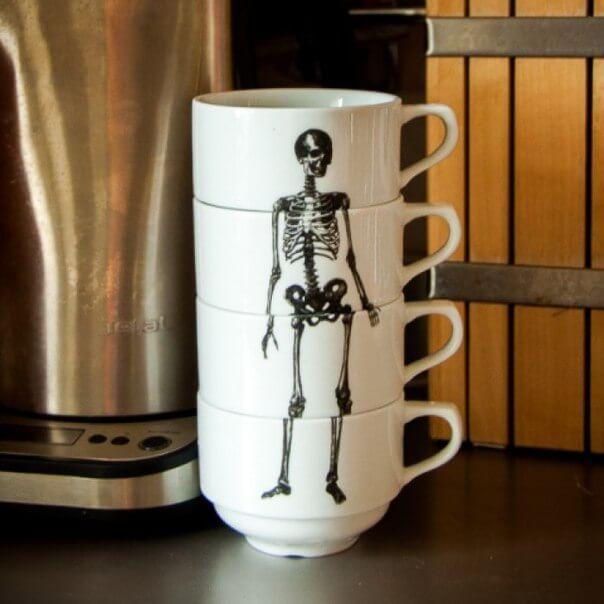 Стаканы со скелетом