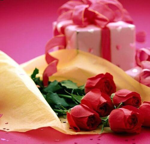 Презент с розами