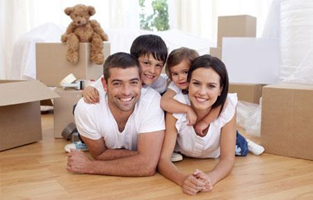 Новый дом мужчины и девушки