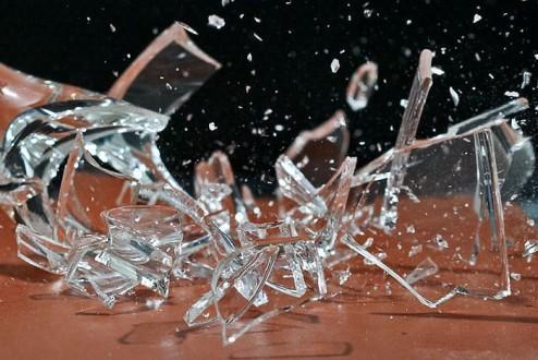 обычай разбивать бокалы