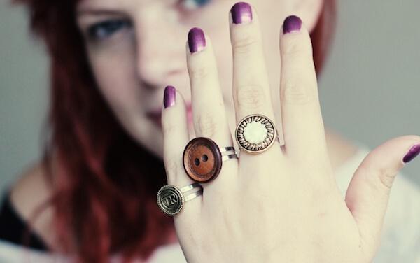 кольца из пуговиц