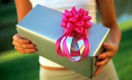 Что подарить девушке на 15 лет