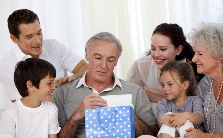 Подарок дедушке на День рождения от всей семьи