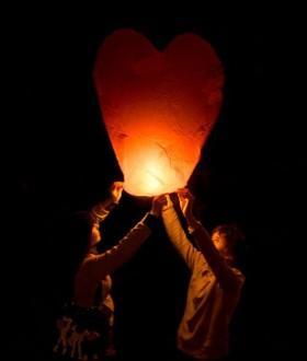 китайский фонарик сердце