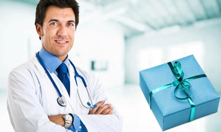 Подарок врачу мужчине - что можно подарить в знак благодарности