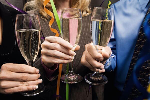 Шампанское на празднике