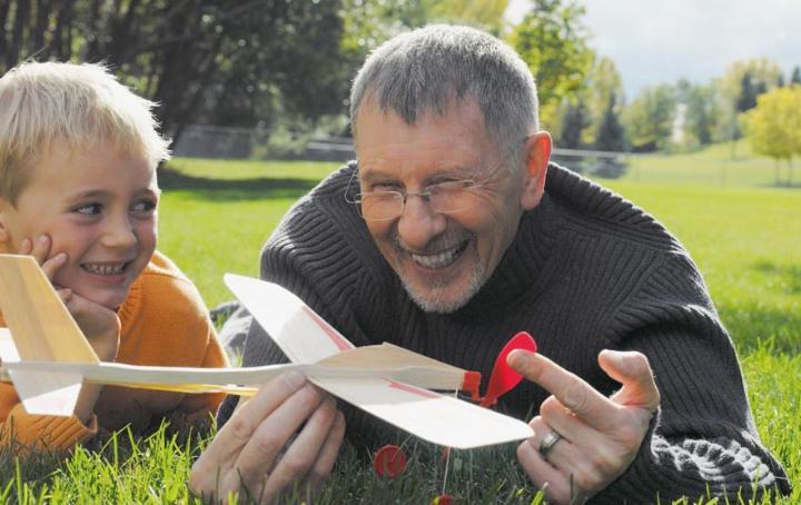 Оригинальный недорогой подарок - что можно подарить дедушке на День рождения интересного?