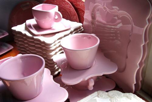 красивая розовая посуда