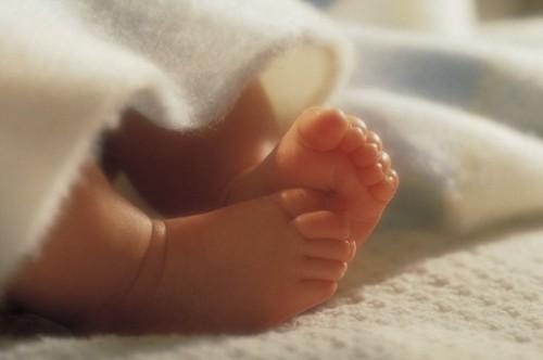 Что подарить бабушке на рождение внука или внучки?