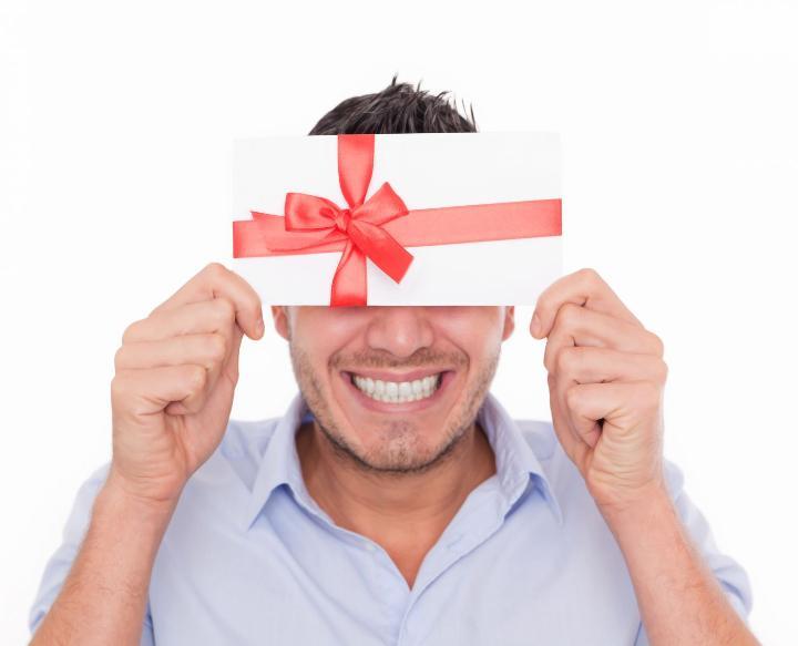 подарок коллеге на 8 марта что дарить