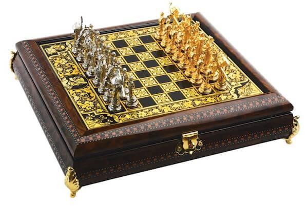 Шахматы с оловянными фигурками