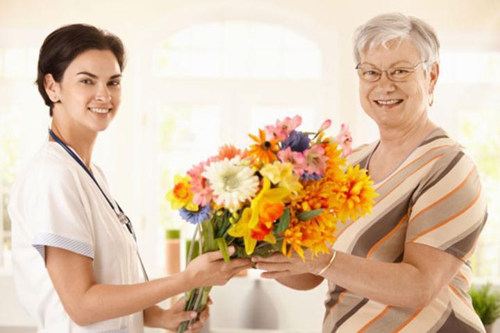Как правильно подарить подарок доктору