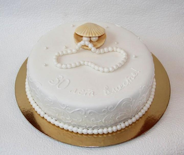 Что подарить мужу на жемчужную свадьбу