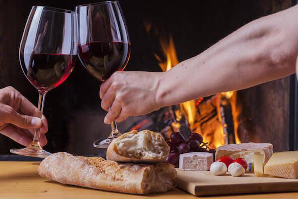 романтический ужин у камина