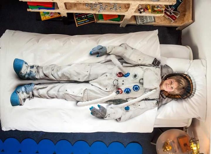 Постельное бельё космонавт