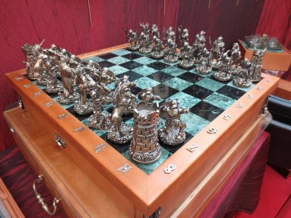 Красивый набор шахмат