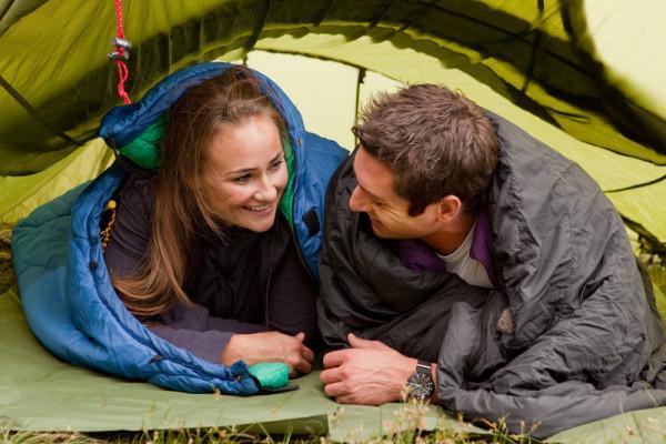палатка с теплым спальным мешком