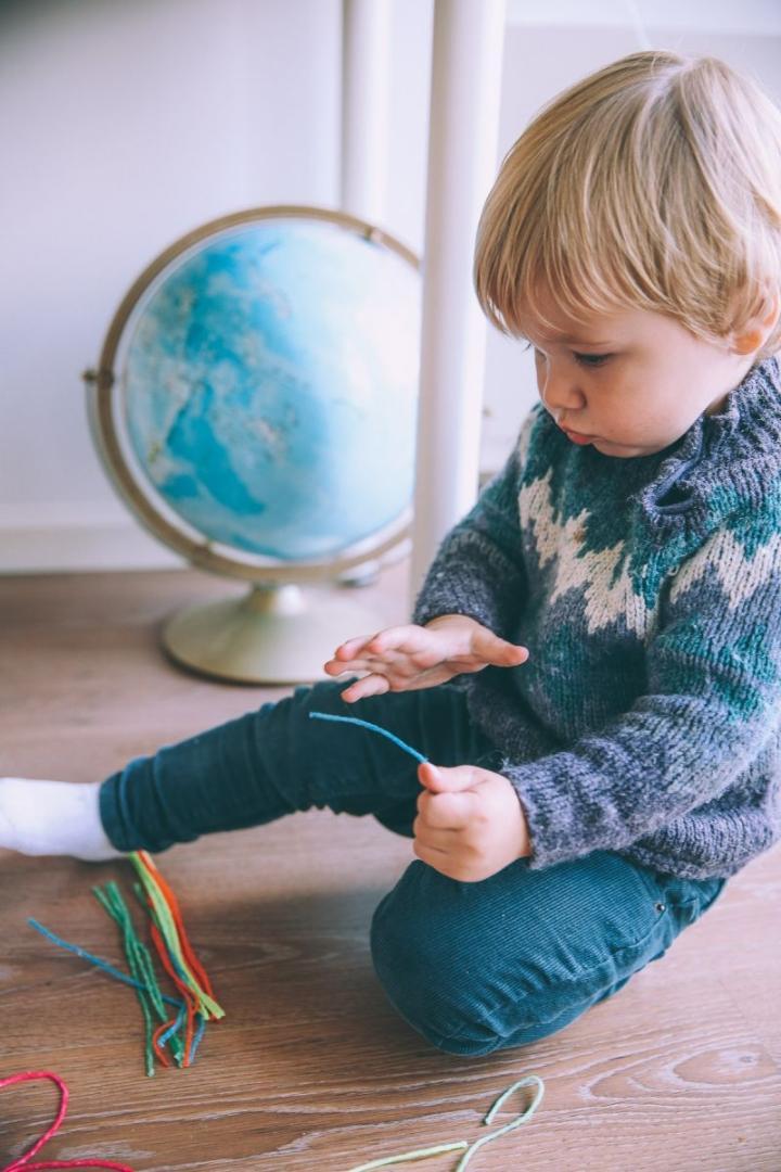 подарок ребенку глобус